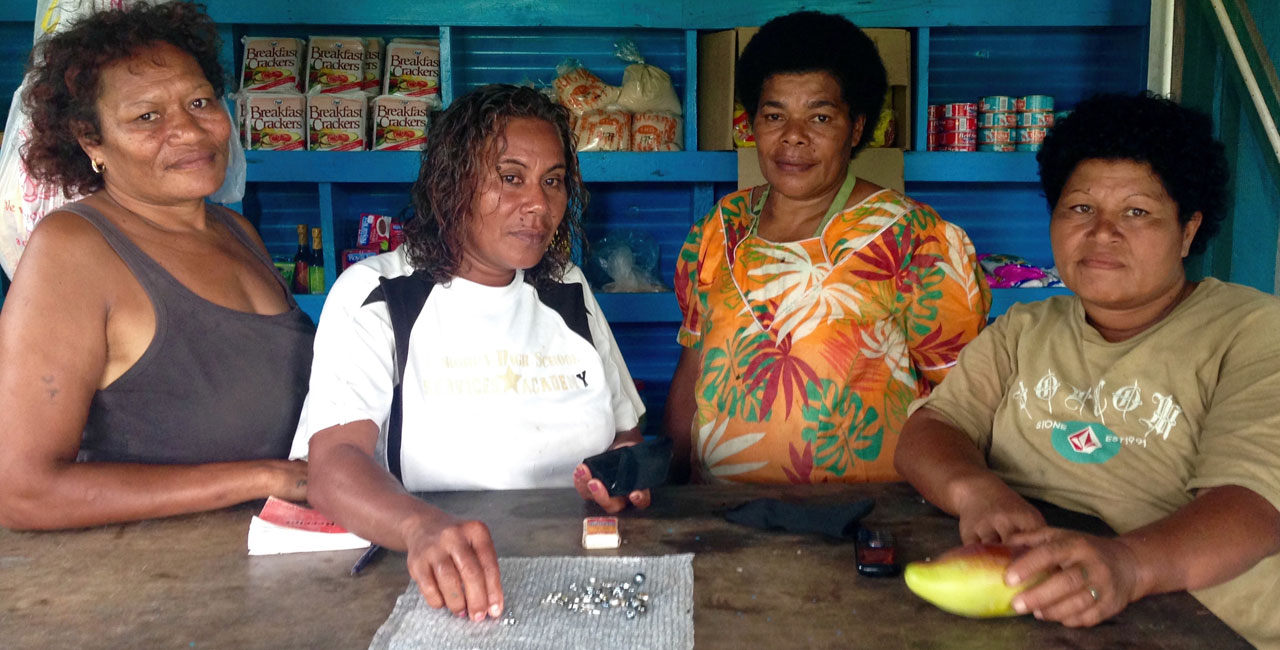 Tourism plays a minor role in the north of the Fiji islands – cultured pearls present an opportunity to bolster low incomes.