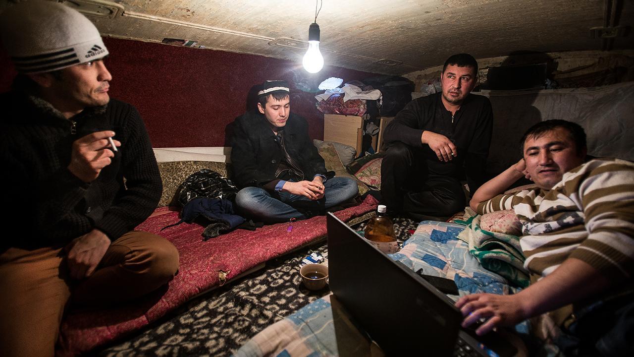 In Kirgisistan fördert es die Zertifizierung informell erworbener Fähigkeiten, fördert Unternehmergeist zurückkehrender Migranten und vermittelt Kontakte zwischen Arbeitgebern und Arbeitsuchenden. ©GIZ/ Elyor Nematov