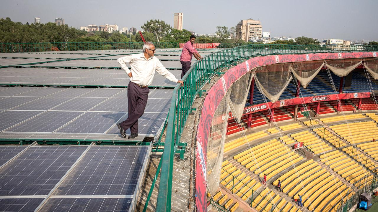 <strong>Bright future for India:</strong> Solar energy is helping power a cricket stadium in Bangalore. On behalf of the German Federal Ministry for the Environment, GIZ is supporting India's efforts to develop the market for solar power in metropolitan areas and industrial centres. <em>Photo: Florian Lang</em>