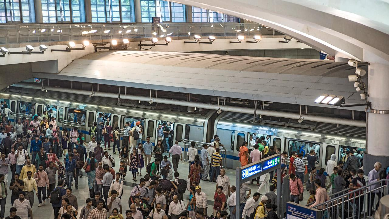 The metro operator Delhi Metro Rail Corporation has also installed solar energy systems in some stations, depots and administrative buildings. <em>Photo: Florian Lang</em>